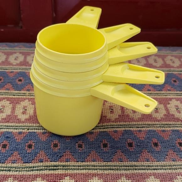 Vintage Tupperware Measuring Cups